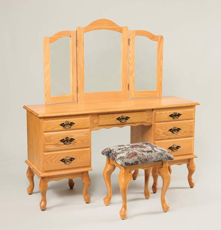 "56"" Queen Anne Dressing Table 510"