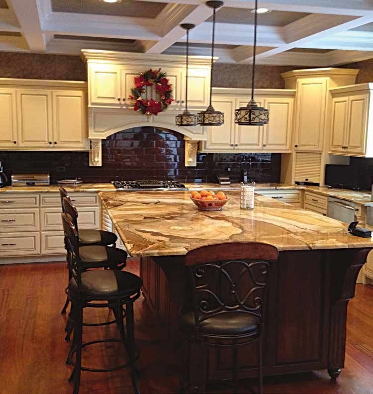 Amish Style Kitchen Cabinets: Traditional Kitchen Cabinets